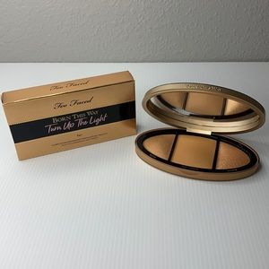 Too Faced Born this Way Turn up the Light Tan Highlighting Palette